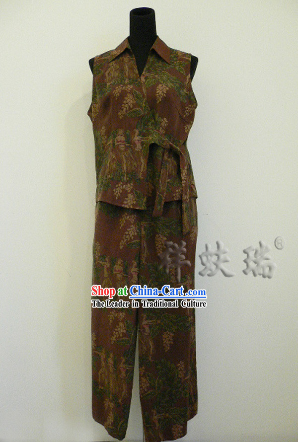 Traditional China Beijing Rui Fu Xiang Xiang Yun Sha Suit for Women
