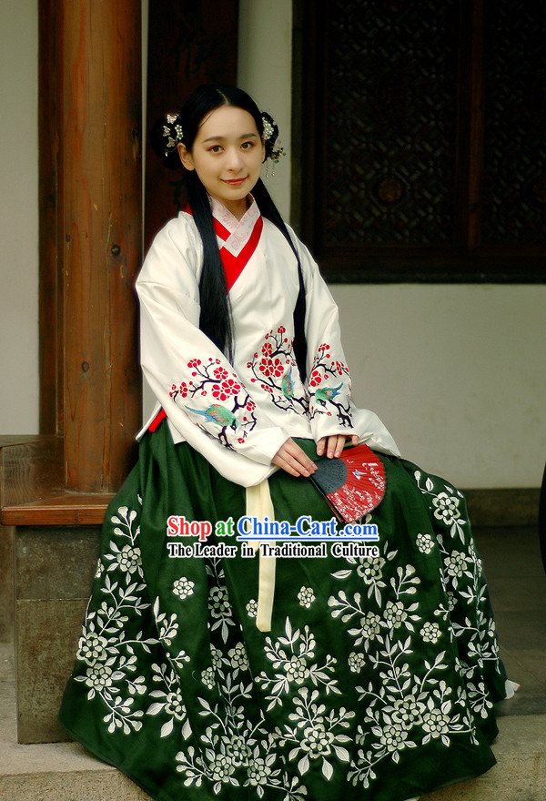 Ming Dynasty Princess Embroidered Hanfu Clothing Complete Set