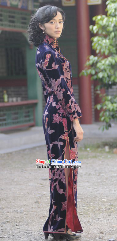 Ancient Style Chinese Long Silk Velvet Cheongsam