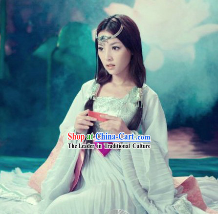 Chinese Classical Light Green Dance Costumes for Women