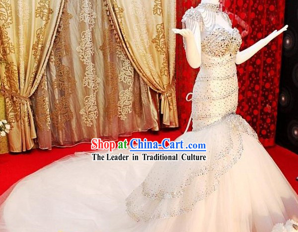 Stunning Crystal Long Tail Wedding Dress for Brides