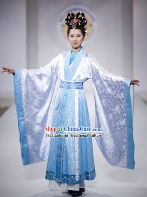 Chinese Formal Female Dressing Costume and Hair Accessories in China