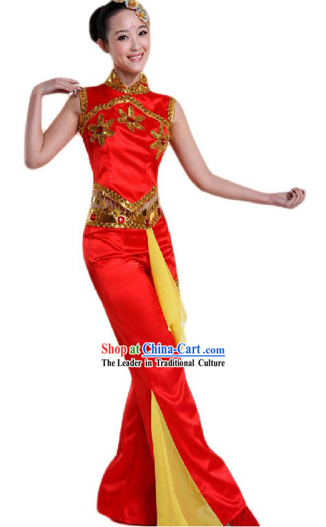 Traditional Chinese Red Fan Dancing Costumes and Headpiece for Ladies