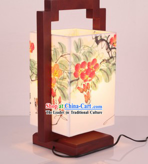 Classic Hand Painted Traditional Chinese Flower Painting Reading Desk Lantern