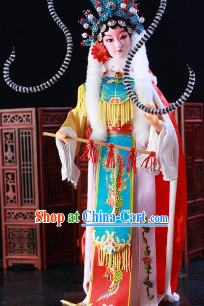 Handmade Traditional China Beijing Silk Figurine - Wang Zhaojun
