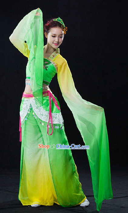 Traditional Chinese Color Transition Long Water Sleeves Dancing Costumes