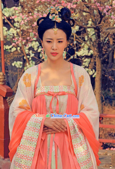 Chinese Tang Dynasty Royal Maid Costumes and Headdress