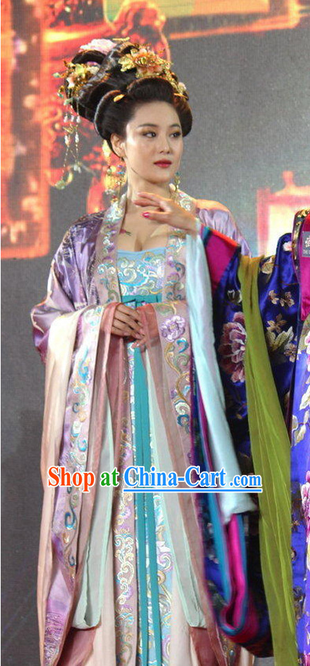 China Tang Dynasty Empress Clothes and Hair Accessories for Women