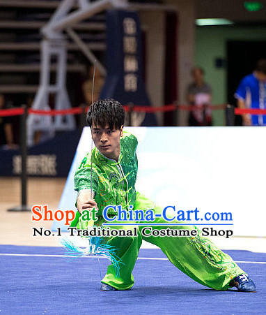 Top Green Embridered Martial Arts Uniform Supplies Kung Fu Swords Broadswords Championship Competition Clothing for Men