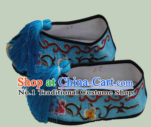 Chinese Peking Opera Embroidered Shoes for Ladies