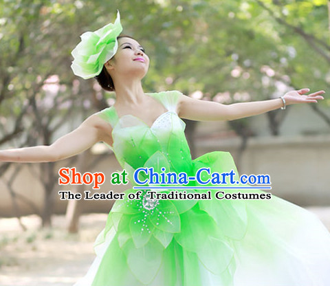 Chinese Custom Made Folk Flower Green Dance Costume and Headpieces Complete Set for Women