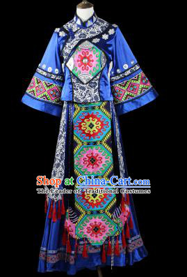 Traditional Chinese Miao Nationality Dancing Costume, Female Folk Dance Ethnic Pleated Skirt, Chinese Minority Nationality Embroidery Costume for Women