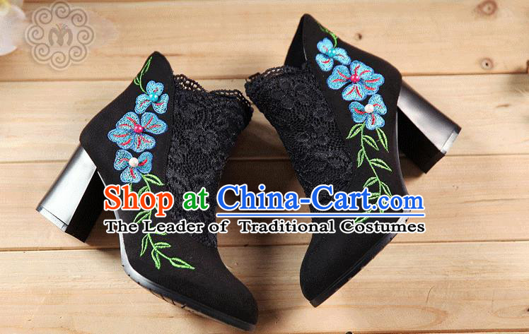 Traditional Chinese Folk Dance Shoes, China Female Embroidered Shoes, Chinese Minority Nationality Embroidery Lace Ankle Boots for Women