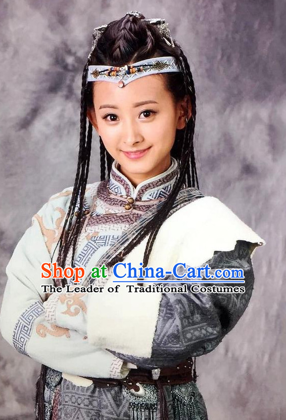 Chinese Ancient Swordswoman Female Heroine Costumes and Hair Ornaments Complete Set for Women