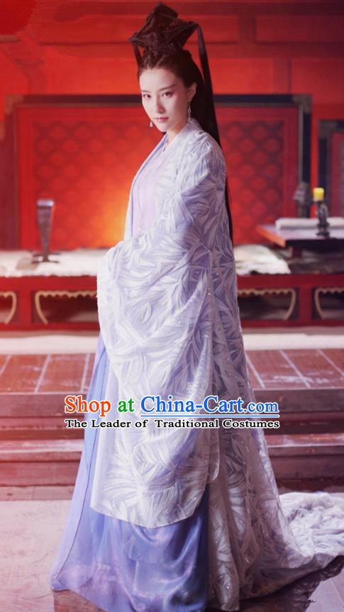 Asian China Northern and Southern Dynasties Palace Lady Costume, Traditional Chinese Lost Love In Times Acient Princess Embroidered Clothing