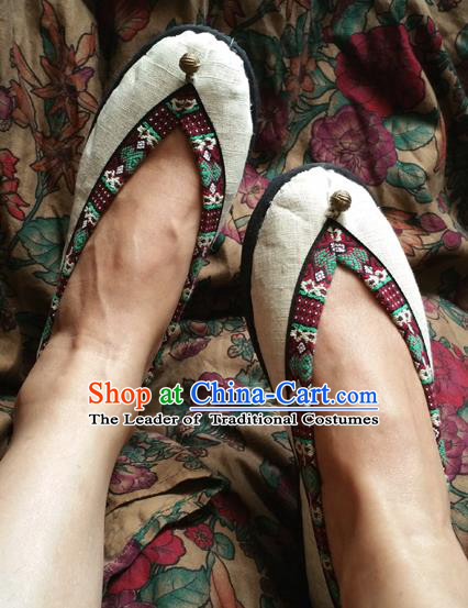 Traditional Chinese National Embroidered Shoes Handmade White Linen Shoes, China Hanfu Embroidery Shoes for Women