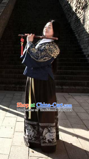 Traditional Chinese Ancient Palace Lady Costume Blue Embroidered Blouse and Skirt, Asian China Ming Dynasty Imperial Concubine Hanfu Dress Clothing for Women