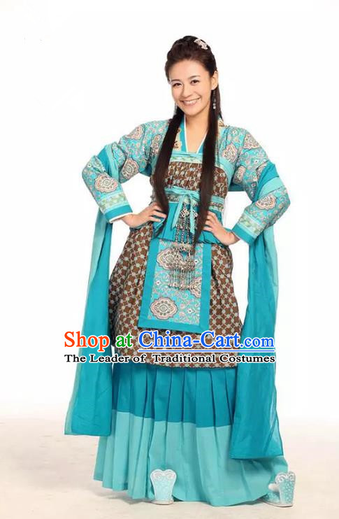 Traditional Chinese Southern and Northern Dynasties Palace Lady Ancient Princess Embroidered Costume