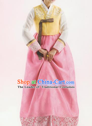 Korean National Handmade Formal Occasions Wedding Bride Clothing Hanbok Costume Embroidered Yellow Blouse and Pink Dress for Women