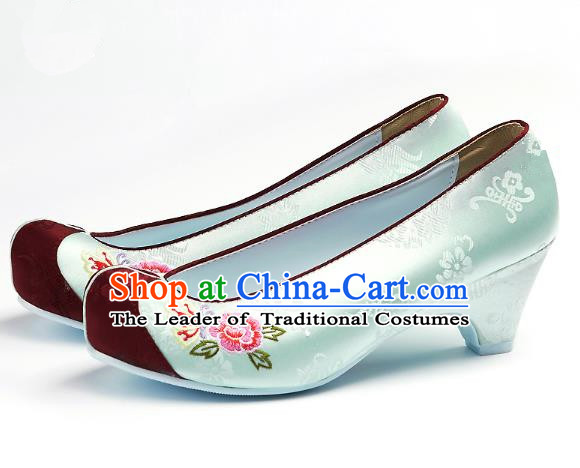 Traditional Korean National Embroidered Shoes, Asian Korean Hanbok Light Green Wedding Shoes for Women
