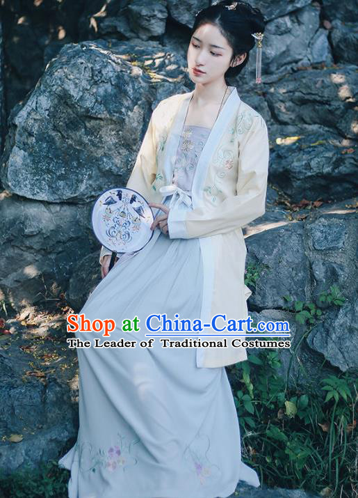 Traditional Chinese Ming Dynasty Nobility Lady Clothing Ancient Imperial Princess Hanfu Embroidered Costume for Women