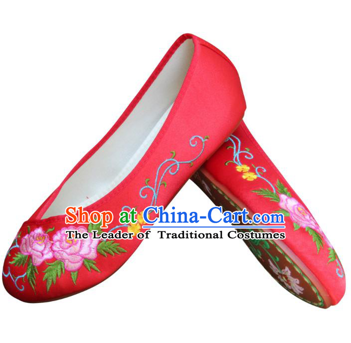Traditional Chinese National Bride Red Embroidered Shoes, China Handmade Embroidery Peony Hanfu Cloth Shoes for Women