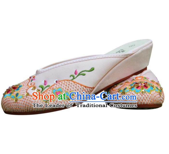 Traditional Chinese National Bride Beige Satin Embroidered Slippers, China Handmade Embroidery Flowers Hanfu Shoes for Women