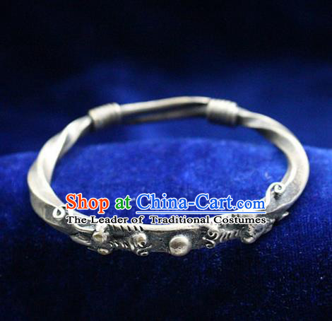 Traditional Chinese Miao Nationality Crafts Jewelry Accessory Bangle, Hmong Handmade Miao Silver Classical Dragon Head Bracelet, Miao Ethnic Minority Silver Bracelet Accessories for Women