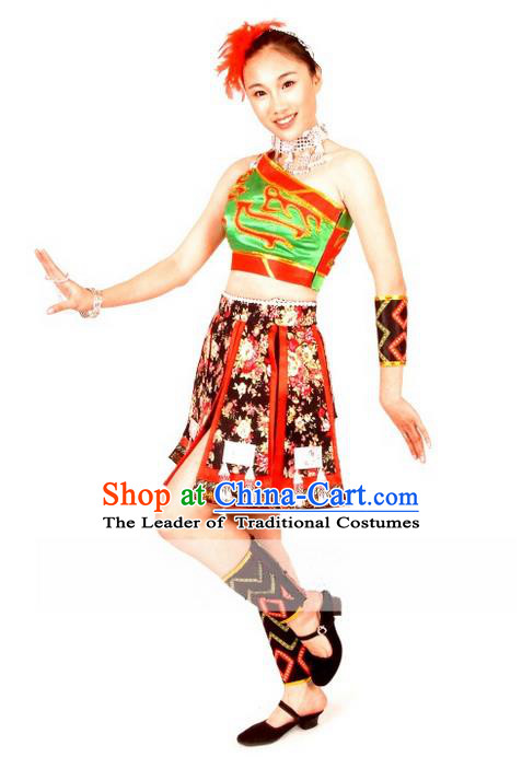 Traditional Chinese Wa Nationality Dancing Costume, Wa Zu Female Folk Dance Ethnic Big Swing Pleated Skirt, Chinese Wa Minority Nationality Embroidery Costume for Women