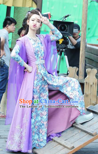 Traditional Chinese Ancient Ming Dynasty Young Lady Costumes, New Dragon Gate Inn Landlady Female Boss Jin Xiangyu Hanfu Embroidered Clothing and Handmade Headpiece Complete Set