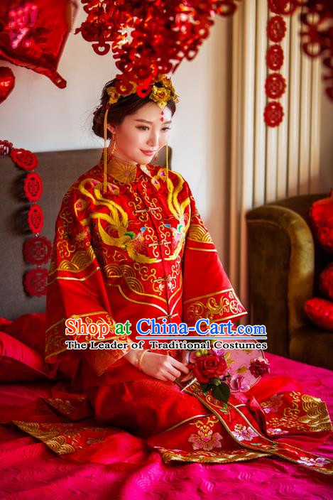 Traditional Chinese Wedding Costume Xiuhe Wedding Clothing Longfeng Flown, Ancient Chinese Bride Toast Embroidered Dragon and Phoenix Full Dress for Women