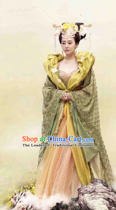 Traditional Chinese Tang Dynasty Palace Queen Embroidery Costume and Headpiece Complete Set, Once Upon a Time Chinese Ancient Imperial Empress Hanfu Dress for Women
