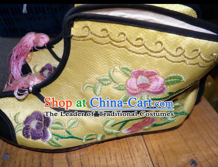 Traditional Chinese Peking Opera Swordplay Embroidered Shoes Quick Boots, China Ancient Beijing Opera Blues Yellow Blood Stained Shoes for Women