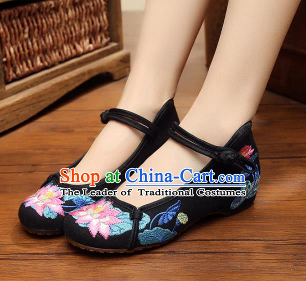 Traditional Chinese National Black Linen Embroidered Shoes, China Princess Shoes Hanfu Embroidery Lotus Shoes for Women