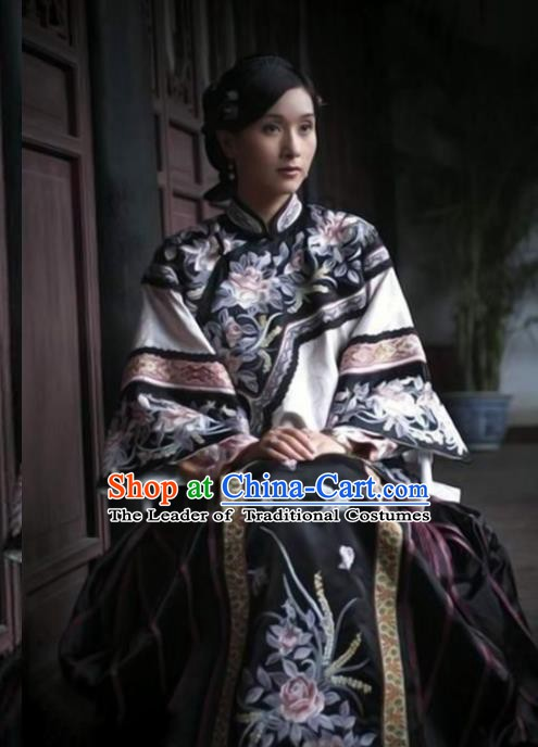 Traditional Chinese Ancient Late Qing Dynasty Young Mistress Embroidered Xiuhe Suit Costume for Women