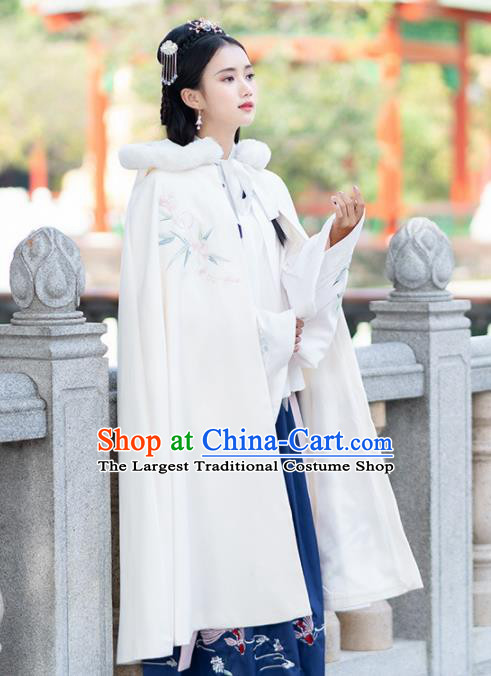 Chinese Ancient Ming Dynasty Princess Costume Embroidered Woolen Cloak for Women