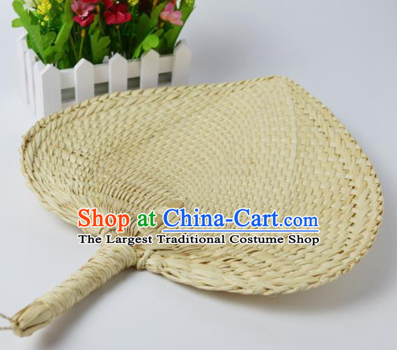 Chinese Traditional Handmade Craft Straw Braid Handicraft Cattail Leaf Fan