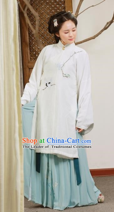 Traditional Chinese Ancient Ming Dynasty Palace Princess Embroidered Clothing for Women