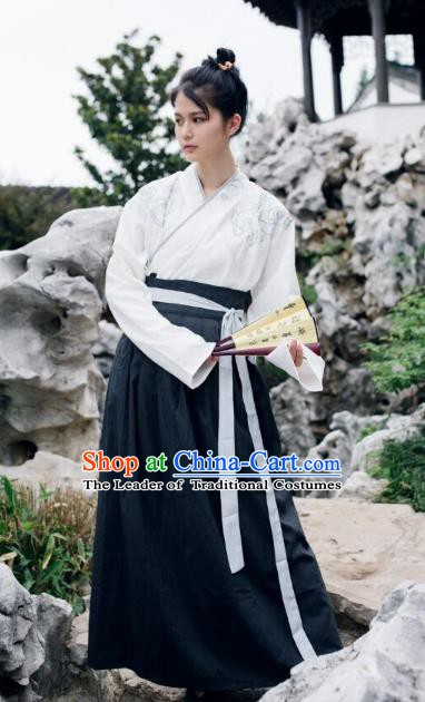 Chinese Ming Dynasty Swordsman Embroidered Costume Ancient Knight Clothing for Men