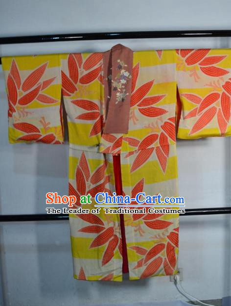 Japanese Traditional Male Yellow Yukata Robe Clothing Japan Samurai Haori Kimonos for Men