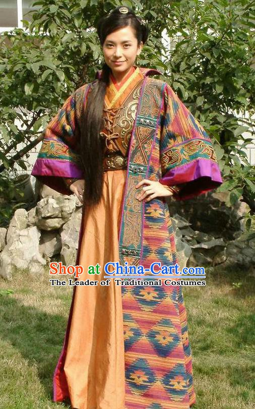 Ancient Chinese Ming Dynasty Young Mistress Embroidered Dress Swordswoman Replica Costume for Women