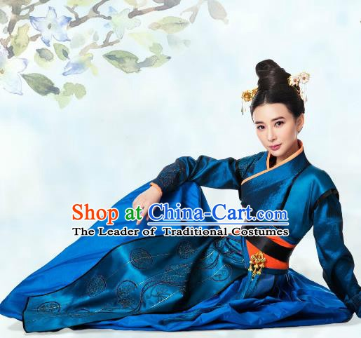 Ancient Chinese Ming Dynasty Heroine Embroidered Blue Dress Swordswoman Replica Costume for Women