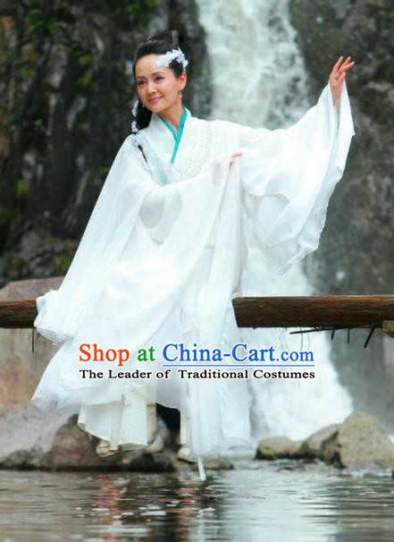 Ancient Chinese Song Dynasty Swordswoman White Dress Chivalrous Woman Fairy Embroidered Replica Costume