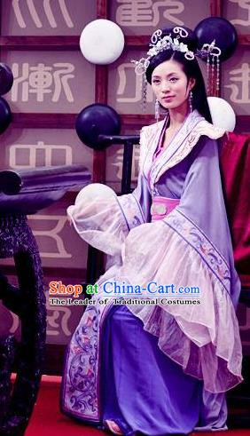 Chinese Ancient Song Dynasty Palace Princess Embroidered Replica Costume for Women