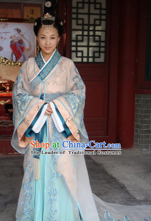 Chinese Traditional Tang Dynasty Princess Embroidered Dress Palace Replica Costume for Women