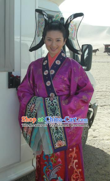 Chinese Traditional Tang Dynasty Palace Princess Dress Embroidered Replica Costume for Women