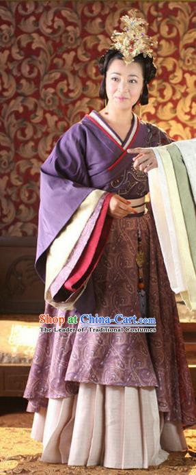 Ancient Chinese Han Dynasty Empress Dowager Lv Zhi Traditional Replica Costume Queen Mother Hanfu Dress for Women