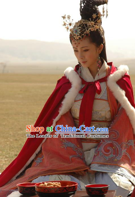 Traditional Chinese Ancient Han Dynasty Palace Lady Wang Zhaojun Hanfu Embroidered Replica Costume for Women