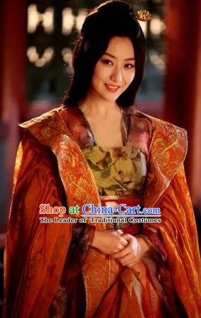 Traditional Chinese Ancient Tang Dynasty Empress Tailing Embroidered Replica Costume for Women