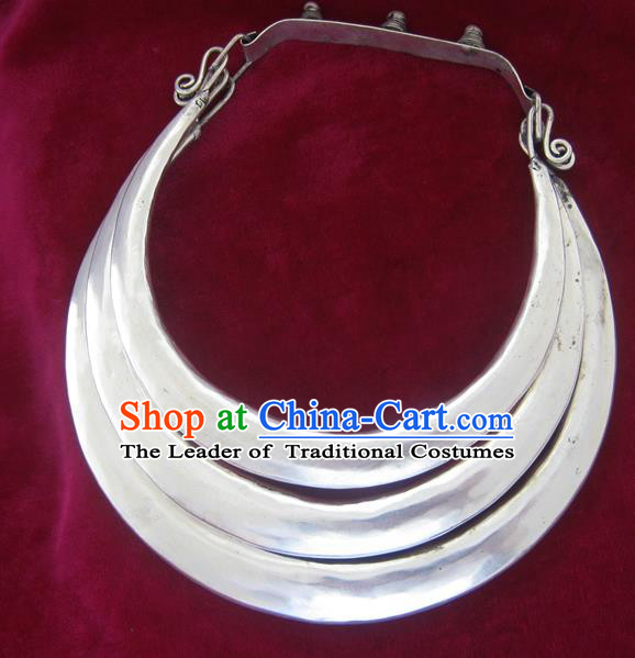 Chinese Miao Sliver Ornaments Wedding Necklace Traditional Hmong Sliver Necklet for Women